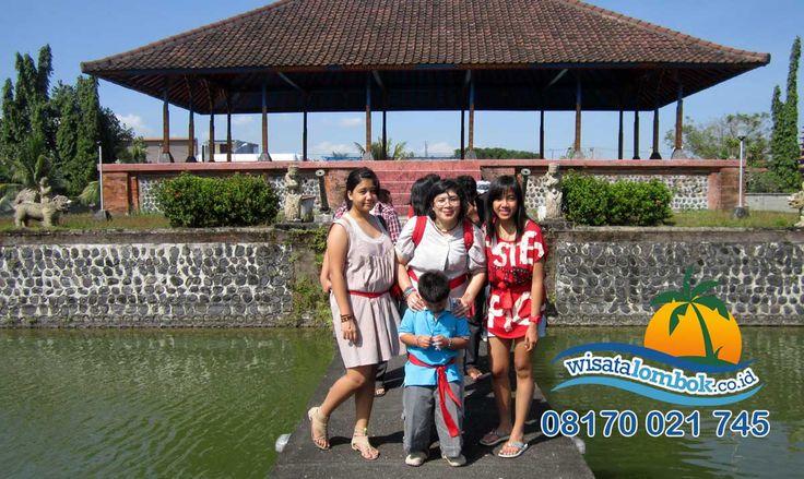 Ini Dia Paket Wisata Spesial Tapak Tilas Lombok Yang Seru dan Menyenangkan yuk rasakan keseruan berlibur bersama kami di  http://www.wisatalombok.co.id/1-hari/wisata-tapak-tilas-kerajaan-bali-di-lombok/