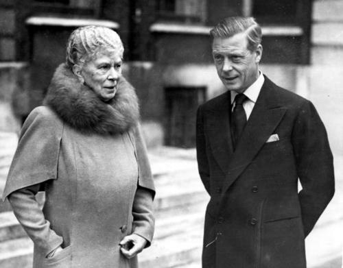 October 6, 1945: The Duke of Windsor (1894-1972), the former King Edward VIII, at Marlborough House with his mother, Queen Mary (1867-1953). It is the first time they have met in over nine years.