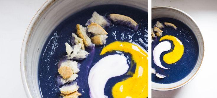 COLORI E CONTRASTI- Crema di cavolo viola con salsa di yogurt e zafferano!