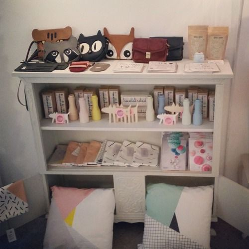 Gezellig at the shop today :) leather #bags by #lalisette, #tea by #monkeychief, #ceramic #vases by #foekjefleur, ceramic and #wooden #doggies by #studioteer, #cushion covers by #depeapa, #honeycomb #paper #balls by #engelpunt #yay @lalisette1  (bij BonBon Boutique)