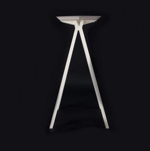 taburete alto de la línea plegable por mas·arquitecutra #design #diseño #interiorismo #arquitectura #masarquitectura #furniture #furnituredesing #mobiliario #branding #wood #madera