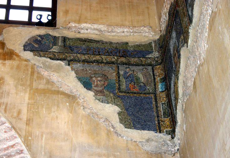 Cappella di Sant'Aquilino, basilica di San Lorenzo, Milano. I mosaici della fine del V secolo del periodo teodoriciano.