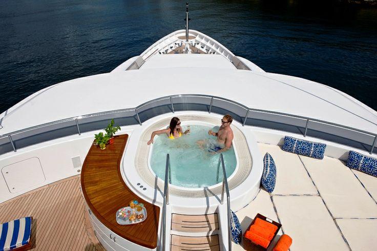 Blue Moon - Sundeck Jacuzzi #jacuzzi #yacht #sundeck #ideas