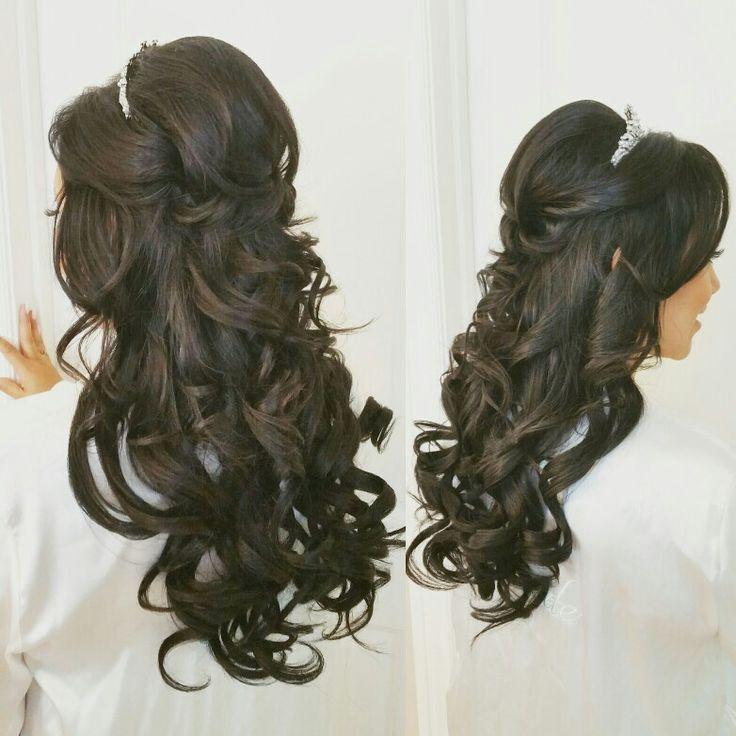 Half up half down wedding hairstyles for long hair. Romantic long curls. Fairytale bridal hair. Big bouncy curls. Hair by www.theposhparlour.com