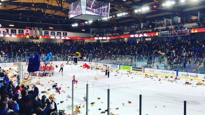 #local712 at it again! Supporting the #cknworphansfund #teddybeartoss at the Vancouver giants game tonight. Ty Ronning with the empty netter for a 2-0 win. #deeproots #ronning #nextgeneration #local712 #cknw #unionmade #engineering #welding #fabrication  Its not just a job its a way of life! #union #unionpride