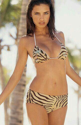 Hott . Adriana Lima