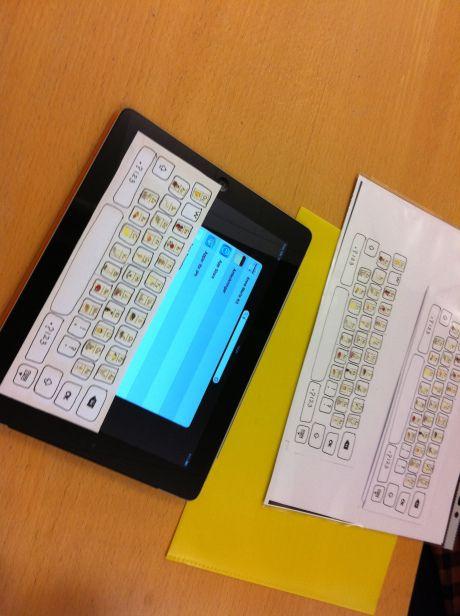 Ulrika Jonson: https://twitter.com/ulrikajonson #Skolblogg'en: Write to Read med iPads   En blogg om att skriva sig till läsning i Södertälje http://writetoreadmedipads.wordpress.com/