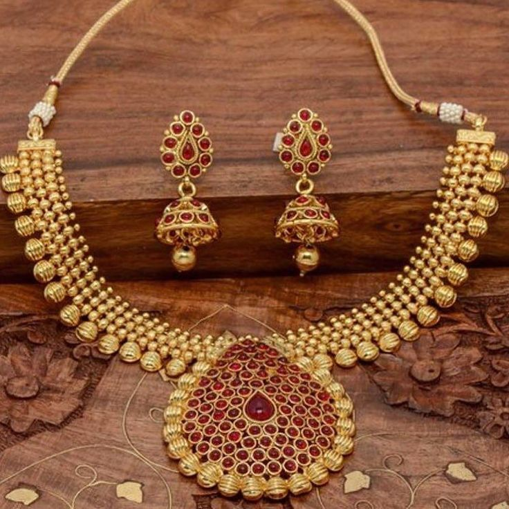 Antique Traditional Necklace Set  Price- USD 88  Product id- 1077669 Just ONE CLICK AWAY ! Go to the link mentioned on our page Worldwide Delivery   7 day return policy DM or whatsapp on 91  8291100288 Visit m.mirraw.com/insta Follow us on @mirraw  #necklace #necklaceset #earrings #templejewellery #pearl #kundan #dazzling #shine #diamonds #jewellery #accessories #necklaces #ethnic #fasionjewllery #diamondjewellery #jewelry #lookoftheday #necklaceoftheday #instagood #shopaholic…