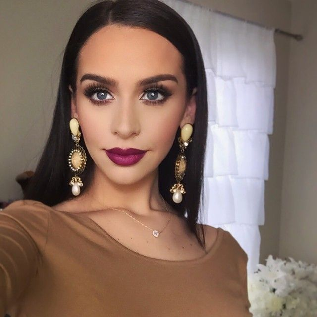 Editing a new makeup tutorial! (The look from my last video!) PLUS 3 lip combos i'm loving right now!! Stay tuned!  (although some people think all my looks look the same, there were many who requested! So this ones for you guys) @thefashionbybel