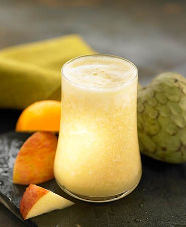 Cherimoya smoothie (cherimoya/custard apple, pineapple, apple, orange)