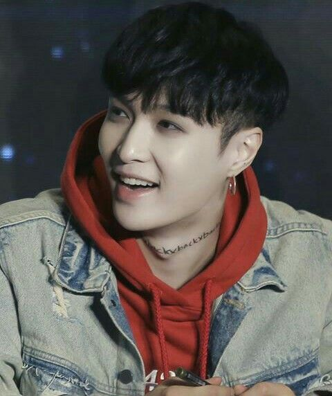 Cute Lay. He always Happy everytime, and everywhere