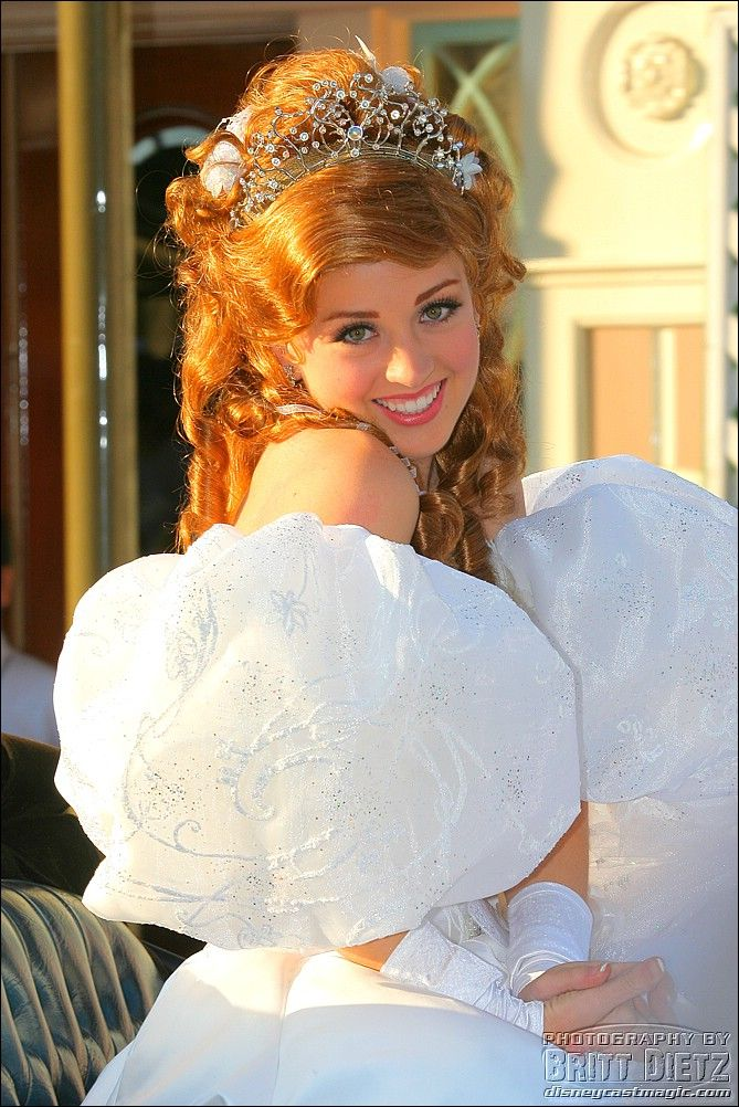 More Princess Giselle! After all, who doesn't want more Giselle? ;)