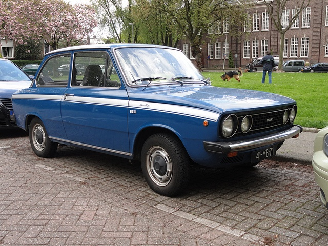 4e car ...Daf 55...  we  paint  these One in the Color  of our bowling shirt for the champignonship