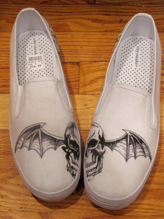 Made to Order AVENGED SEVENFOLD DEATHBAT shoes by missmalfaisant, $90.00 WANT, WANT, WANT WANT! :D