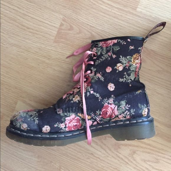 Dr. Martens Floral Combat Boots Size 10 Doc marten Floral combat boots with pink silk laces. Good condition!! Dr. Martens Shoes Combat & Moto Boots