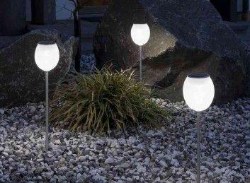 Lampy solarne - stwórz wieczorną iluminację ogrodu.