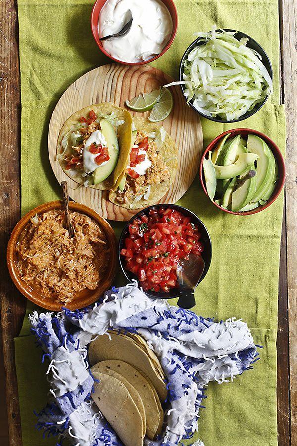 Tacos mexicanos con tinga de pollo