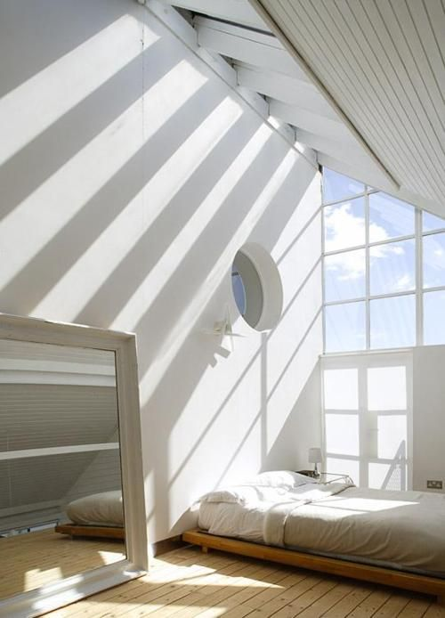 Light !: Spaces, Window, Dreams, Trav'Lin Lights, Bedrooms Design, High Ceilings, Low Beds, Natural Lights, Shadows