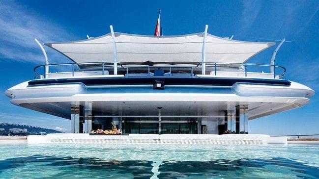 The 74-meter custom CRN superyacht CLOUD 9 powerfully combines engineering exper…