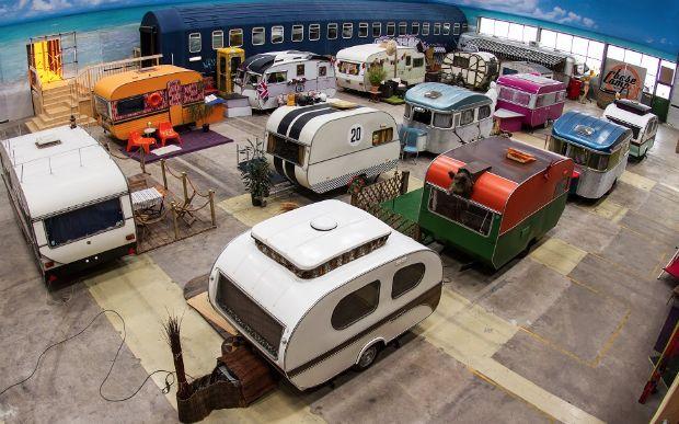 Albergue alemão tem decoração inspirada em acampamentos com trailers   #BaseCampHostelBonn, #LuísXV, #MuseumMile