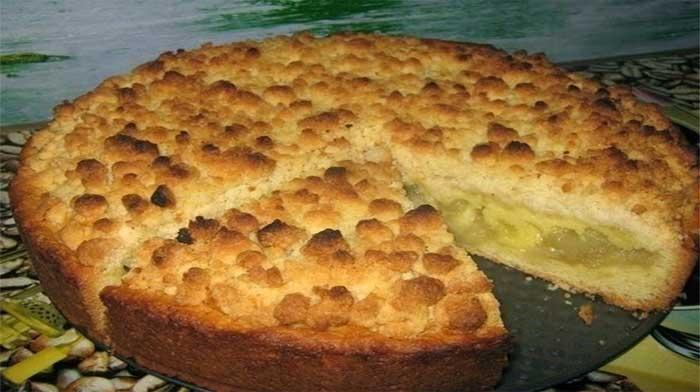 """Яблочный пирог """"Царский"""", несмотря на свое название, простой. Тесто у него нежное и рассыпчатое, начинка сочная, ароматная... Не пирог - объеденье!!!..."""