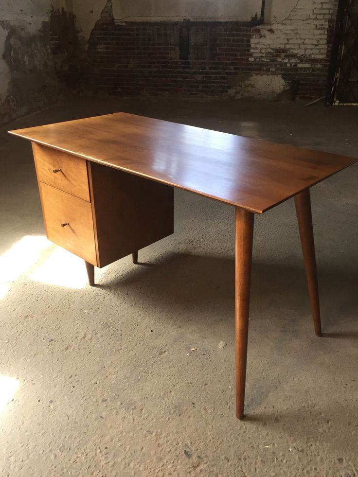Paul McCobb planner group desk Etsy shop https://www.etsy.com/listing/461106970/mid-century-desk-paul-mccobb-planer