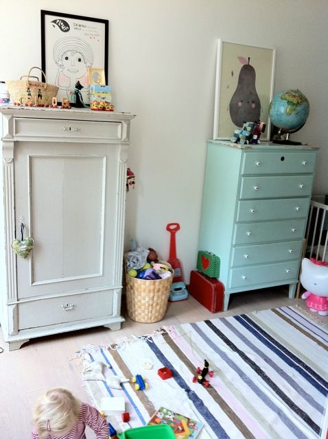 Children's room - Vintage wardrobe - Mimi's Blog