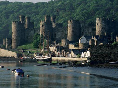 Conwy Castle, Unesco World Heritage Site, Conwy, Gwynedd, Wales, United Kingdom Photographic Print