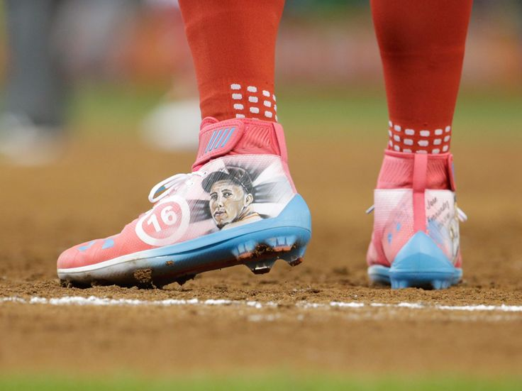 Bryce Harper wore a touching tribute to Jose Fernandez during the All-Star Game - With the Miami Marlins hosting the MLB All Star Game this year, player's from around the league were sure to acknowledge former Marlins ace Jose Fernandez, who died last year in a boating accident.  Fernandez's locker is still standing in the Marlins locker room, and was used as something of a memorial for players that wanted to pay their respects to the pitcher. Other players took their tributes with them onto…