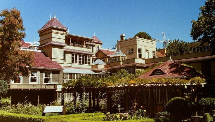 Winchester Mystery House from the Victorian gardens [5472 x 3121] [OC] - Cool Houses Pictures And Dream Home Unique Designs, Big, Medium Size And Small House Design Ideas