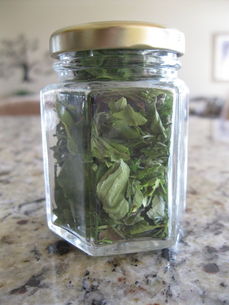 How to Dry Herbs from the Garden  microwave for one minute until they are  quot crispy dry quot   That  39 s it
