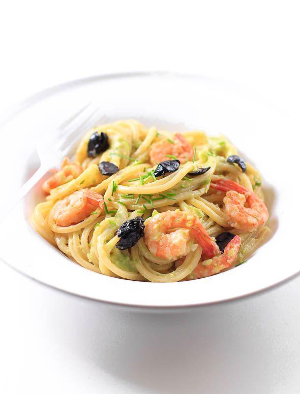 spaghetti al pesto di sedano e avocado