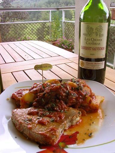 Steak de thon aux pommes de terre sauce piquante - Recette de cuisine Marmiton : une recette