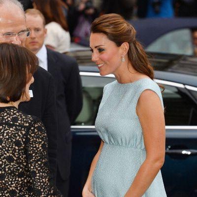 Los vestidos de Kate Middleton embarazada: Fácil de replicar