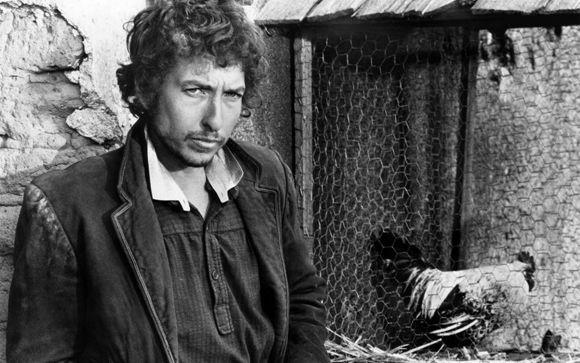 Лауреатом Нобелевской премии по литературе стал Боб Дилан http://kleinburd.ru/news/laureatom-nobelevskoj-premii-po-literature-stal-bob-dilan/  13 октября в Стокгольме объявили имя лауреата Нобелевской премии по литературе – им стал знаменитый музыкант Боб Дилан. Как сообщается, премии исполнитель авторской песни удостоился «за создание новой поэтической выразительности в рамках американской песенной традиции». В то же время, многих награждение музыканта поставило в тупик, так что в Шведской…
