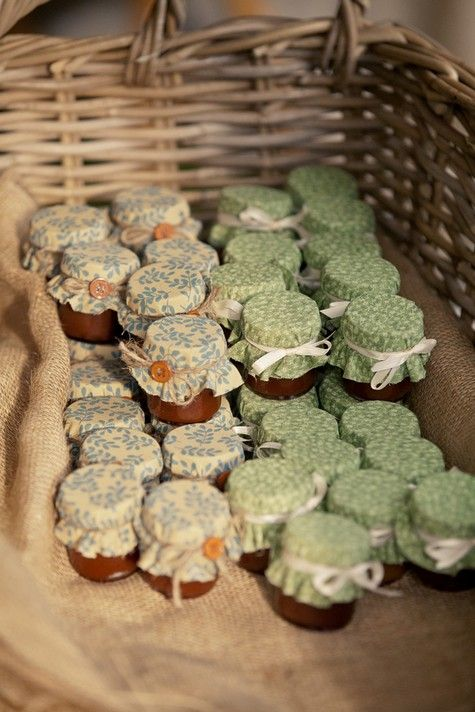 Tennessee wedding by Kathleen at Jo Photo - jam favours