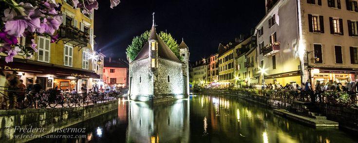 Les Noctibules d'Annecy (France) ont lieu chaque été, au mois de Juillet. Une fête dont la programmation mêle art et