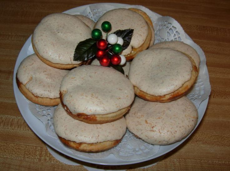 Hertzog Cookies : A traditional South African recipe that is more like jam and coconut tartlets