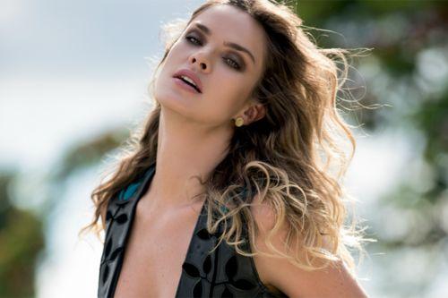 Letícia Birkheuer posa sexy para capa de revista | Notas Celebridades - Yahoo Celebridades Brasil