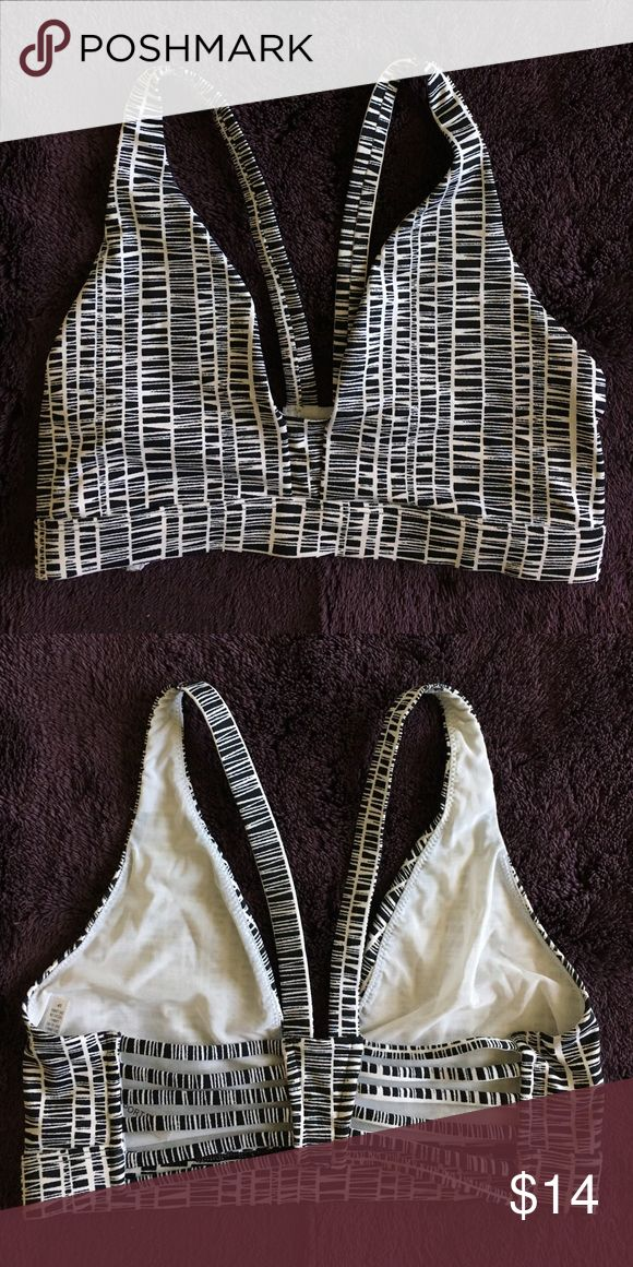 Patterned Sports Bra New without tags, never worn. Cute style the helps boost cleavage for small breasts. Looks great under a deep cut tank or tee. Victoria's Secret Intimates & Sleepwear Bras