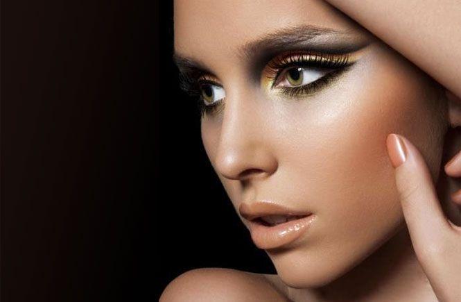 Как подобрать вечерний макияж для зеленых глаз. Как сделать макияж для зеленых глаз в зависимости от цвета волос и типа кожи.