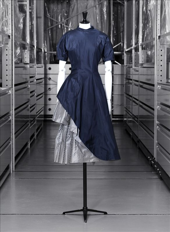 """Fracinelle"" day dress, blue and striped silk taffeta, Jacques Heim, 1949"