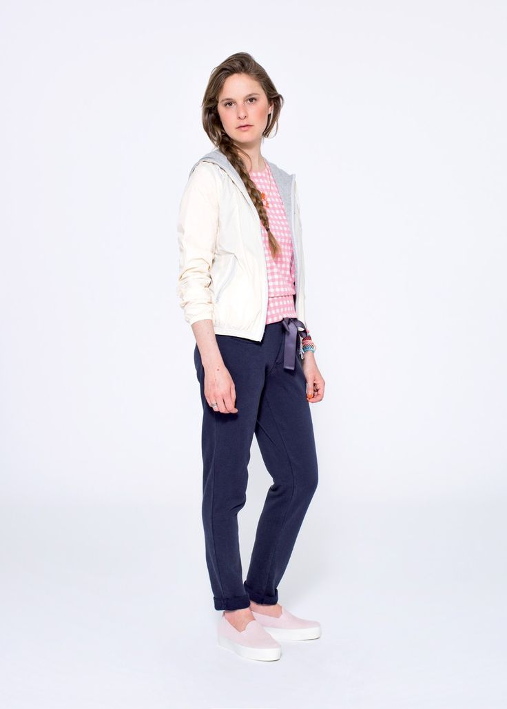 A unique sports-inspired look with a feminine touch, designed for your dense workout days: a cotton knitted top with a pink and white Vichy print. SUN68 Woman SS15 #SUN68 #SS15 #woman #hoodie #pants #top