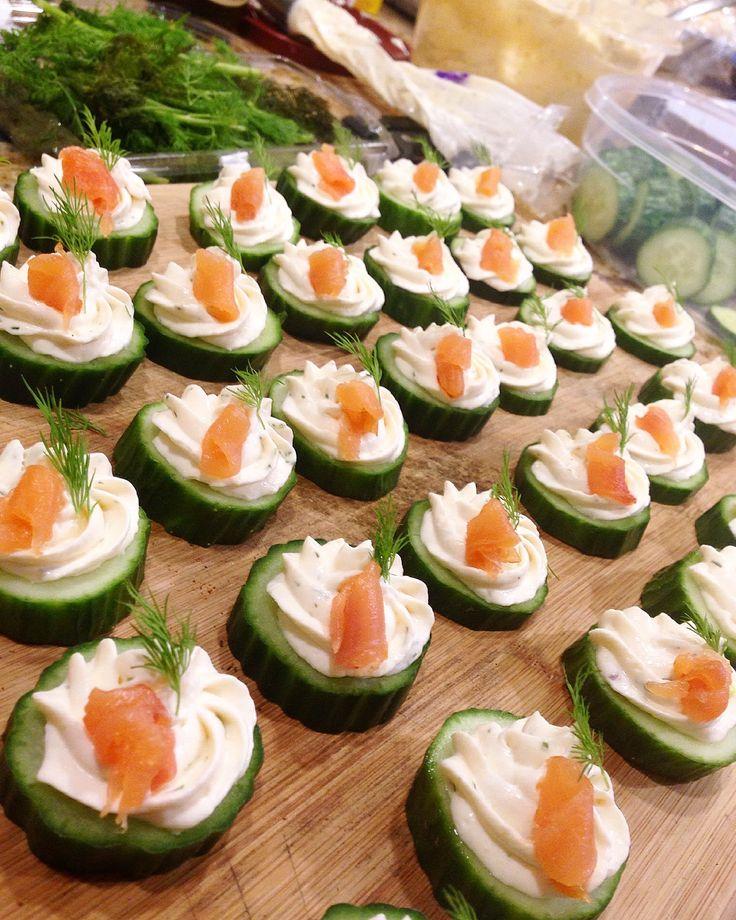 Smoked salmon cucumber cups