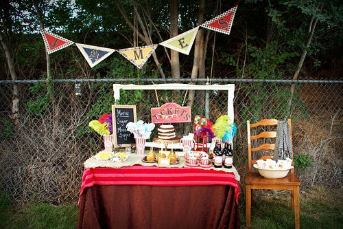 vintage carnival baby shower food table: Carnivals Baby Shower, Theme Baby Shower, Vintage Carnivals, Food Tables, Shower Food, Carnivals Theme, Old Frames, Parties Ideas, Baby Shower