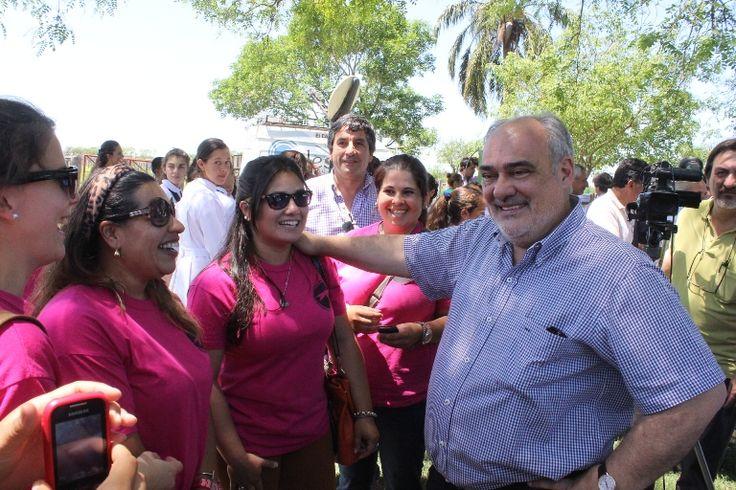 DECENAS DE ESCUELAS Y PRODUCTORES MEJORAN SU SITUACIÓN: Ricardo Colombi inauguró obras energéticas que benefician a la población rural de Curuzú Cuatiá #VamosParaAdelante