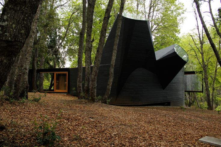 Smiljan Radic - House of the Poem for the right angle,Vilches 2012