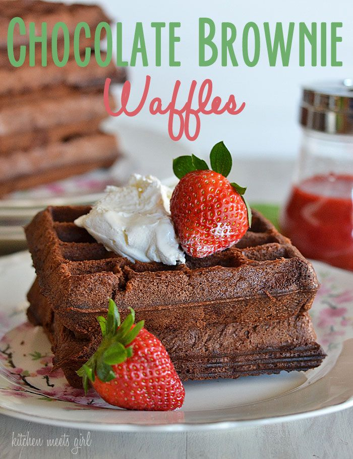 What could be better than eating waffles for breakfast?  How about waffles that taste like brownies?  #recipe #waffles #brownies