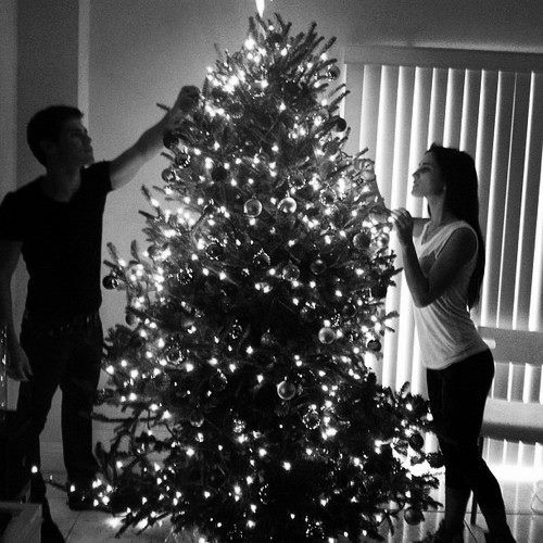 this is something iv'e never done with a boyfriend.. for whatever reason. but i'd really like to decorate the christmas tree with a boyfriend someday.. stupid ex-boyfriends...