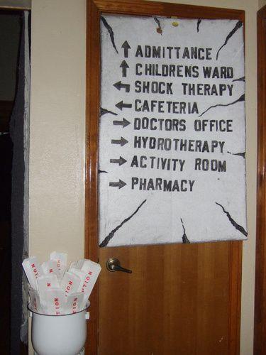 Asylum sign idea on Halloween Forum